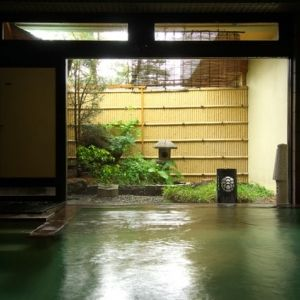 一度は泊まりたい!「草津温泉」のおすすめ旅館4選