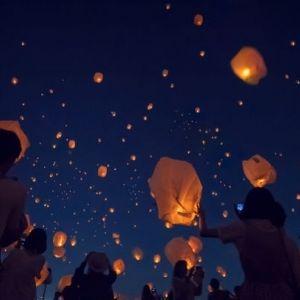 台湾の幻想的な光景が日本で!「スカイランタン祭り」