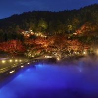 だるまさんがキュートすぎ。紅葉の一大名所・箕面の山寺へ行こう