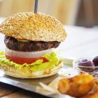 野菜が主役のヘルシーバーガー!「自由が丘バーガー 青山店」が6月6日オープン
