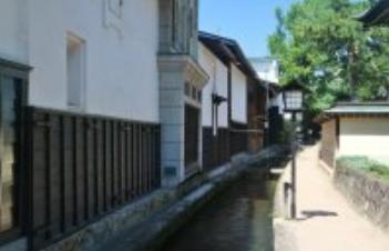 良縁成就のお参りへ。1月15日に飛騨市で幻想的な「三寺まいり」開催その4
