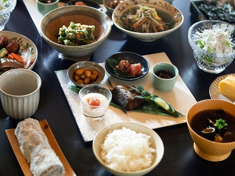 愛情たっぷりの朝食で使う食材と調味料も地元のものを