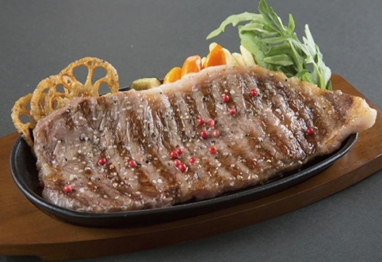 牛豚どちらも味わえる贅沢ステーキセット