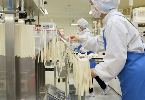 香川といえば! うどん作りの最先端を見学「石丸製麺」(香川県)