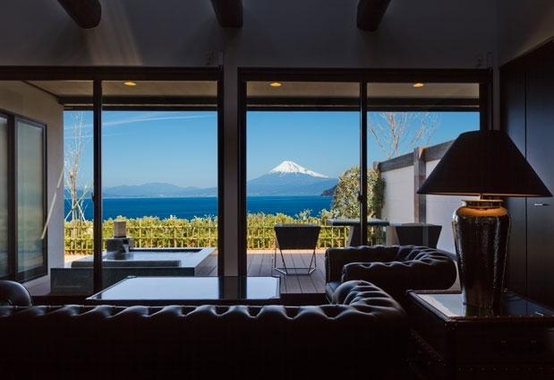 世界遺産 富士山を望む宿 富岳群青