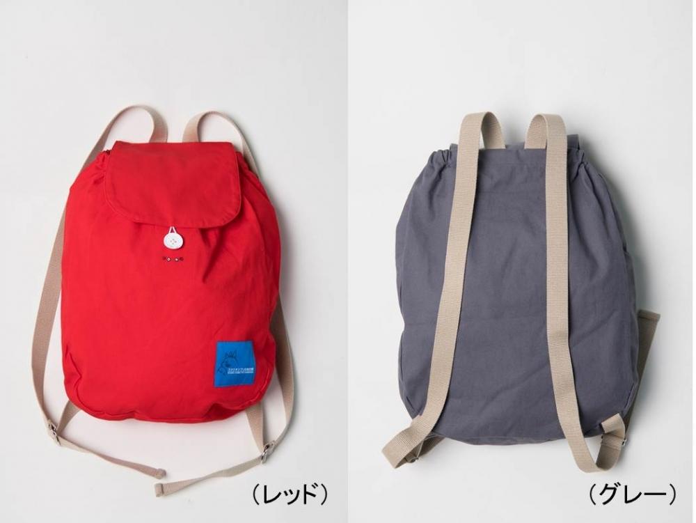 服だけでなく、バッグや小物も販売