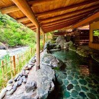 ギネスに認定された世界最古の温泉宿。山梨県「慶雲館」の魅力とは