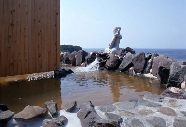 日本海が見える絶景の宿「深浦観光ホテル」