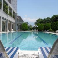 夏のリゾートステイを満喫。山梨のプール付き宿4選