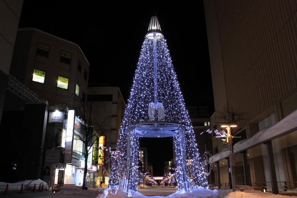 厳冬の街が光に包まれる「あさひかわ街あかりイルミネーション」(北海道・旭川市)