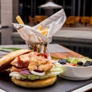 【台湾情報】台北滞在中に立ち寄れる温泉地・北投。ラグジュアリーホテルの日帰り温泉とカフェで食す圧巻のロブスターバーガーも要チェック