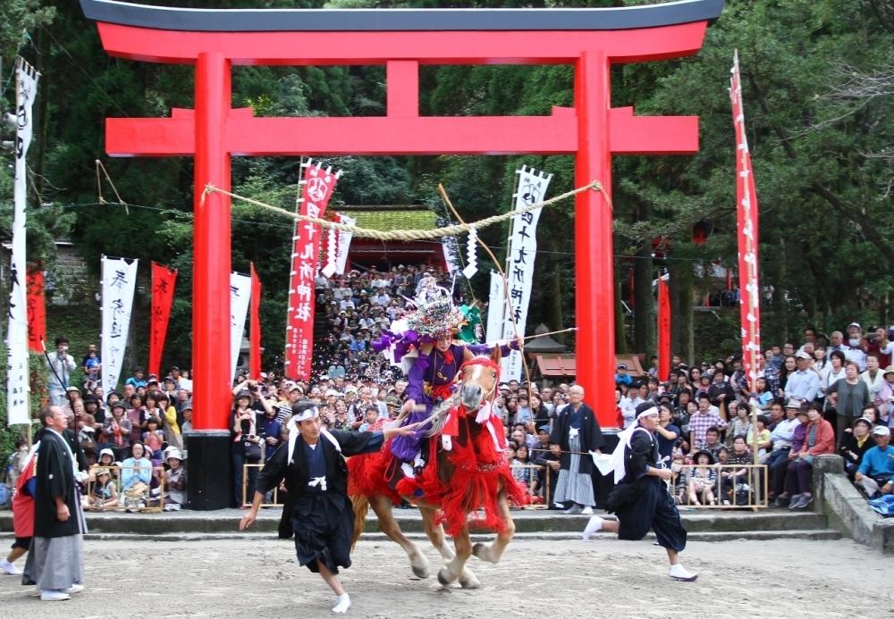 900年の歴史を持つ流鏑馬行事の舞台「四十九所神社」へ