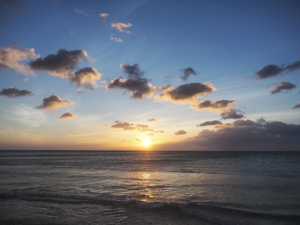 島北部の秘境感にしびれちゃう! 広々した「明石ビーチ」
