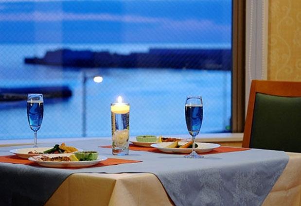 オホーツク海を眺めながらの夕食