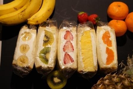 ほんのり甘いパンとフルーツがマッチ。旬の果物を楽しめるフルーツサンド