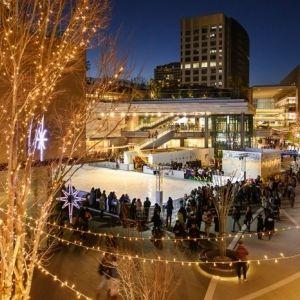 【東京】毎冬のお楽しみ!期間限定の屋外アイススケート3選