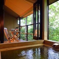 すべて半露天風呂付き。贅沢に過ごせるもてなしの宿「離れ御宿 夢のや」
