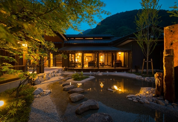 美しい星空を独り占め! 客室露天風呂から星を眺める「昼神の棲 玄竹」