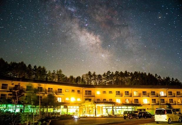 星ソムリエの解説を聞きながらの贅沢な星空観賞 「八ヶ岳グレイスホテル」