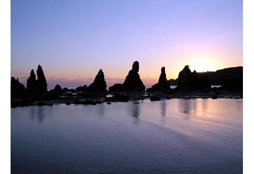 和歌山県で大自然を感じられるスポット②橋杭岩