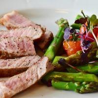 食べるだけで幸せになれる!?「お肉」を食べるべき3つの理由