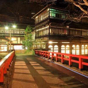 """まるで""""千と千尋""""の世界!?日本最古の温泉宿「積善館」とはその0"""