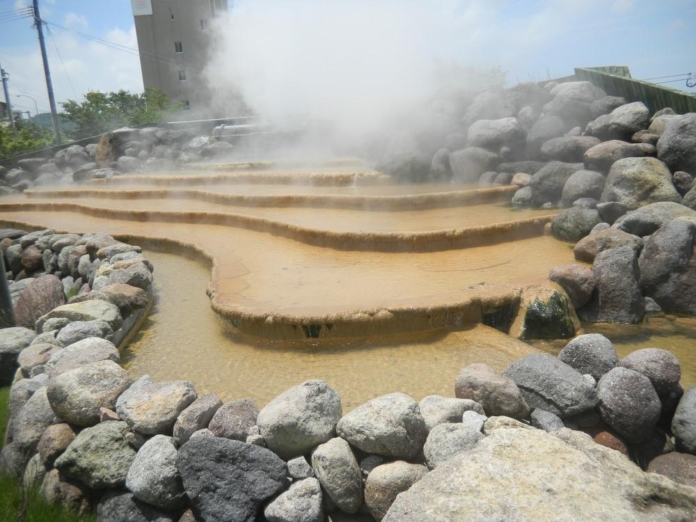日本一長い足湯は楽しみ方もいろいろ!?