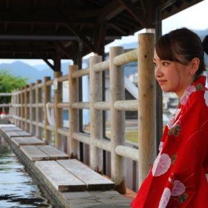 日本で一番の熱量を誇る小浜温泉の、日本で一番長い足湯でほっこりしよう