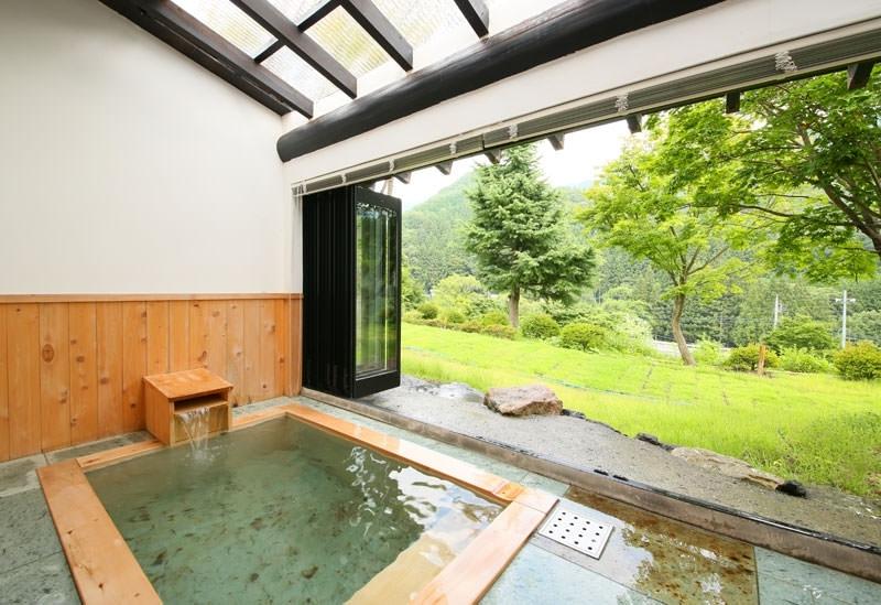 「武尊の湯」から引かれる良質な温泉