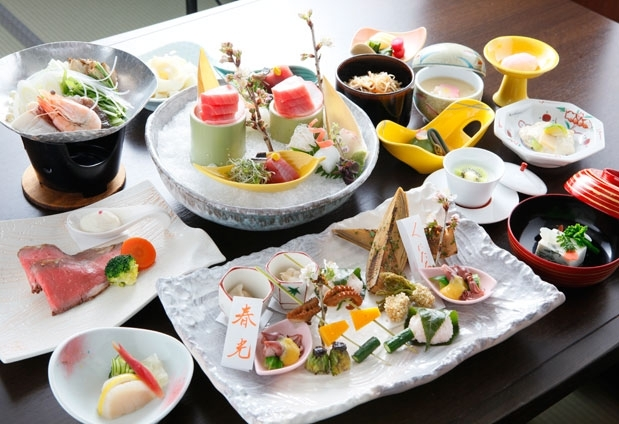 石和温泉「くつろぎの邸 くにたち」の魅力④旬の食材にこだわった料理