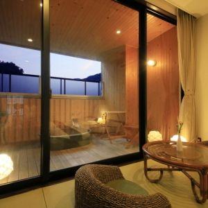 和モダンと遊ぶ温泉旅館誕生。「ゆとりろ別府」で遊び心ある滞在を