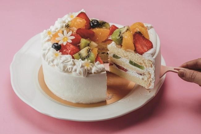 旬のフルーツをたっぷり使った、台湾ならではのホールケーキはいかが?