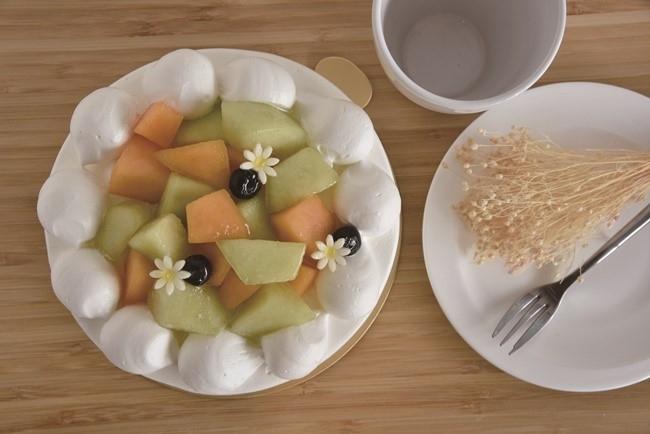 そのとき、一番おいしい果物を惜しみなくトッピング。