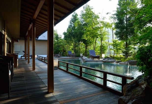 自然の景観に恵まれた中伊豆の宿「湯宿 嵯峨沢館」