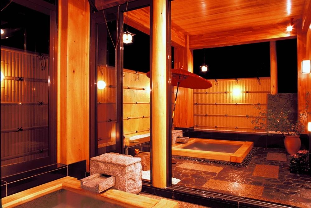 温泉好きな両親へ、草津の天然温泉と風情ある旅を