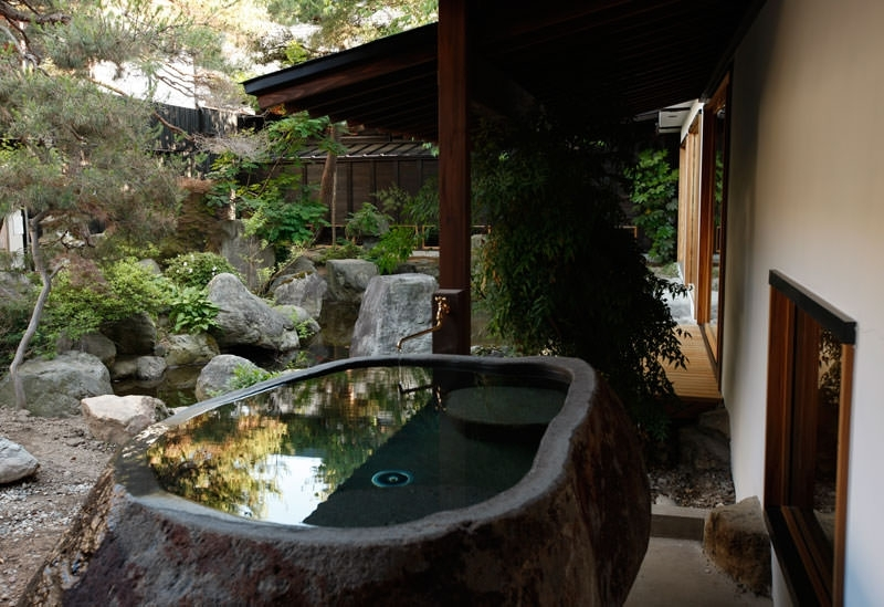 赤湯温泉を全身で堪能「山形座 瀧波」
