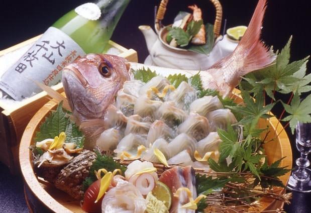 伊勢海老・アワビ・舟盛りを通常プランで。魚介料理が評判の温泉宿その2