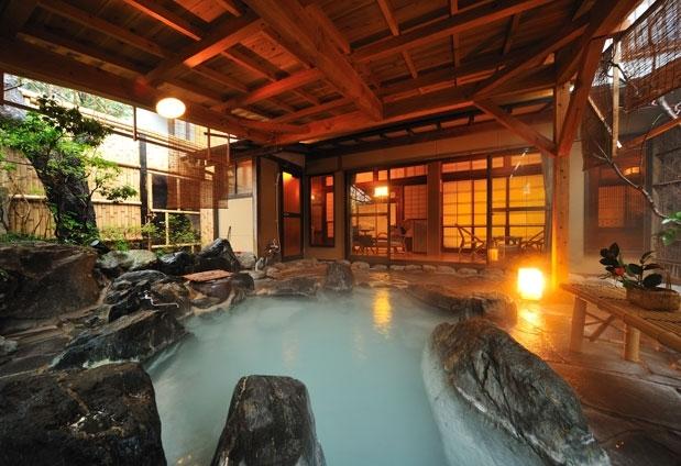 源泉かけ流しの温泉を楽しめる福島県の宿③お宿 花かんざし