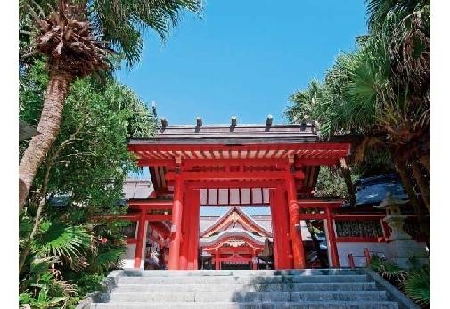 宮崎県で訪れておきたいおすすめスポット①縁結びのパワースポット「青島神社」