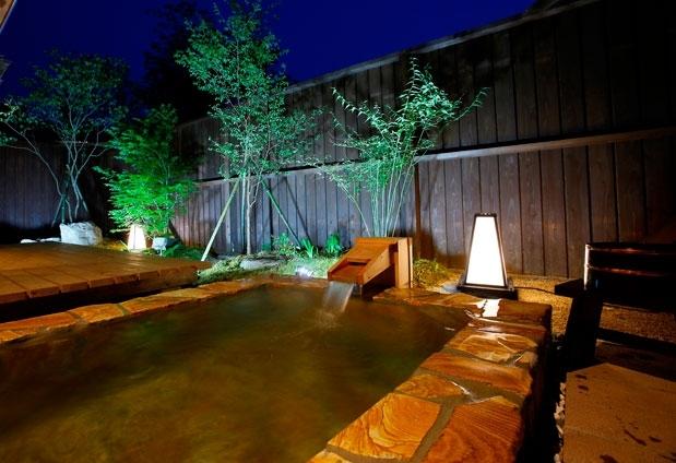 宮崎県で訪れておきたいおすすめスポット⑤全室離れの秘境の宿「高千穂 離れの宿 神隠れ」