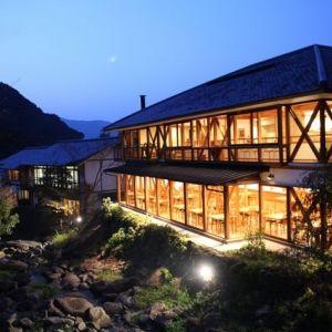 美肌の湯を心ゆくまで楽しめる!佐賀県の温泉旅行なら「椎葉山荘」へ