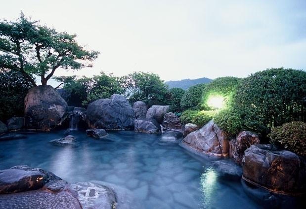庭露天風呂付客室で贅沢なひと時「さぎの湯荘」