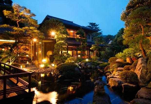 日本最古の歴史をもつ自慢の湯「佳翠苑 皆美」