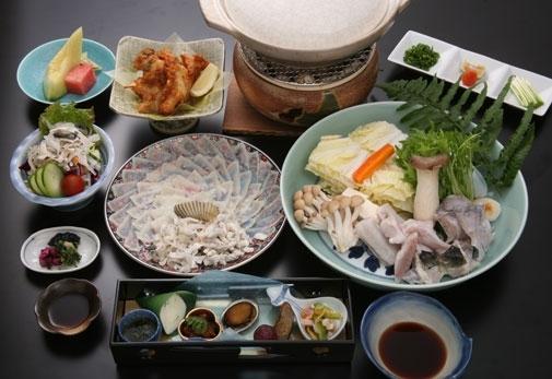 ディナーにおすすめの名物料理が味わえる「平家茶屋」