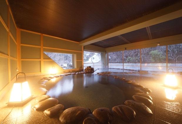 源泉かけ流し温泉と手作り料理が楽しめる宿「長栄館」