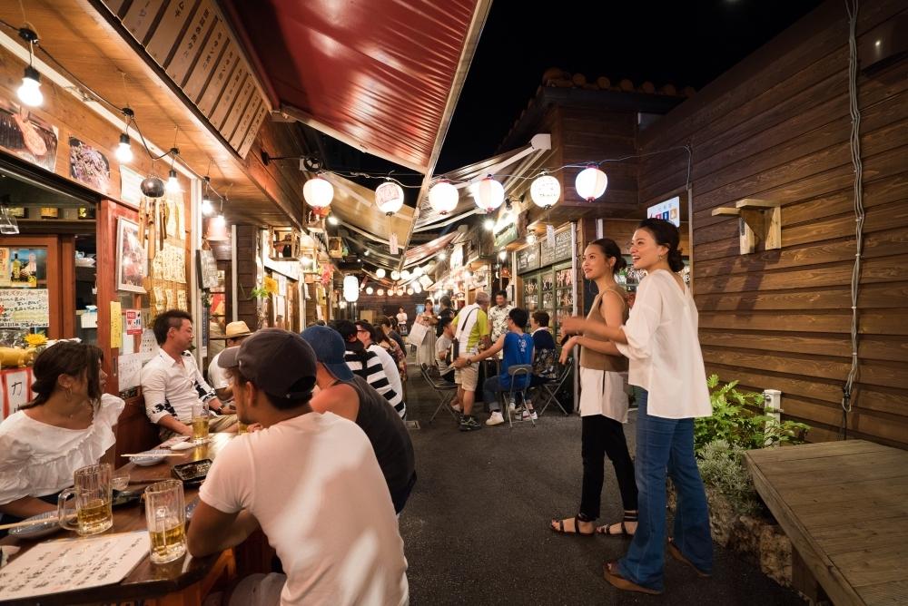 食いしん坊と呑んべいを満足させる沖縄の夜