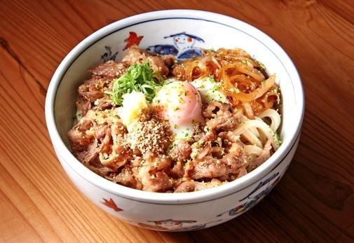 """""""黒麺""""が自慢の「うどん田中」"""