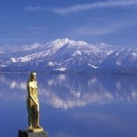 秋田の魅力を探す旅へ。小野小町生誕の地、瑠璃色の絶景など観光スポット4選