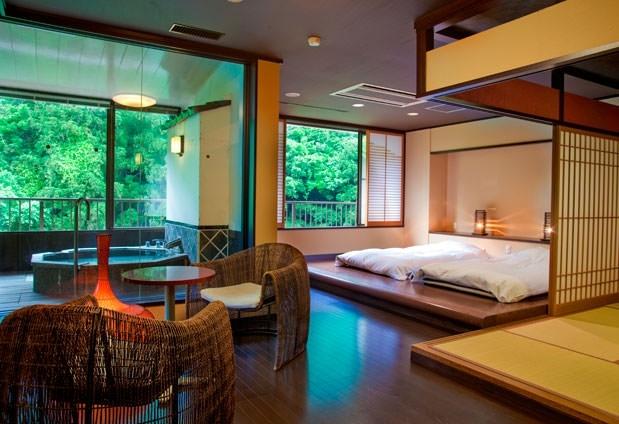 あの松尾芭蕉も愛した名湯・山中温泉。非日常空間を味わえる宿その4
