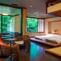 あの松尾芭蕉も愛した名湯・山中温泉。非日常空間を味わえる宿